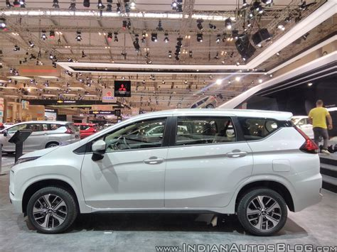 mitsubishi expander giias mitsubishi xpander left side at giias 2017 indian autos blog