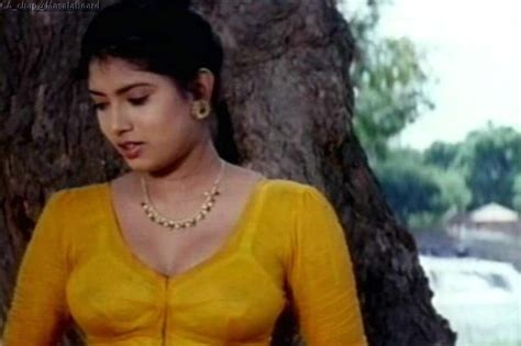 Top Mallu Aunties Hot Clevage