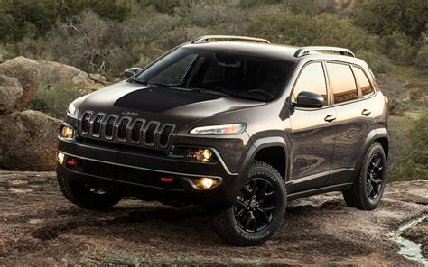 new jeep truck 2014 2014 jeep cherokee first look truck trend