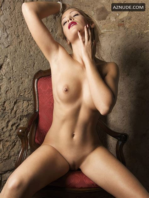 Miriam Schwarz Shows Her Flawless Naked Body For The Mens