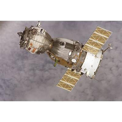 File:Soyuz TMA-7 spacecraft.jpg - Wikimedia Commons