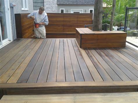 comment bien entretenir et teindre une terrasse en bois torr 233 fi 233 le de probois