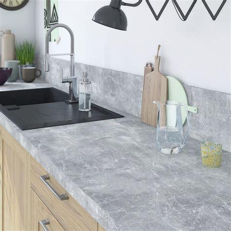 plan de travail cuisine gris clair plan de travail stratifié gris mat l 315 x p 65 cm