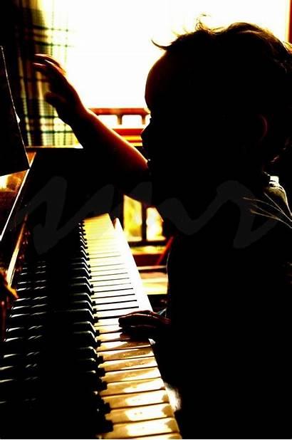 Piano Mom Warm Bodies Learn Play
