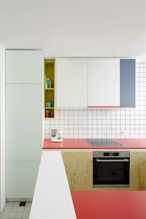 Einrichtung Kleiner Kuechekleine Kueche Mit Theke by 25 Mutige Farbe Block K 252 Che Dekor Ideen Kitchen K 252 Che