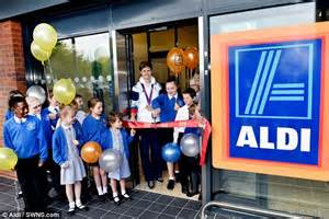 Shoppers Mart Openings by Shoppers Queue For Up To 14 Hours In The For Opening Of New Aldi Store Daily Mail