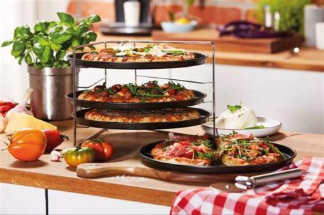 lidls pizza stand  bigger  cheaper  aldis version