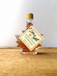 maple syrup wedding favor 17 oz maple leaf bottle With maple syrup wedding favors
