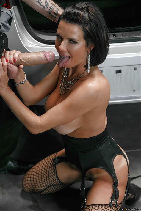 Busty Milf Pornstar Veronica Avluv Taking Hardcore Anal