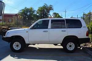 Toyota Landcruiser 105 Series Wagon White 53470