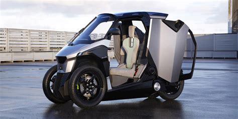 Peugeot Develops An Electric Three-wheeled Phev Tilting