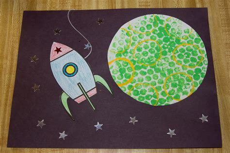 astronaut crafts for preschool outer space crafts me ideas 709