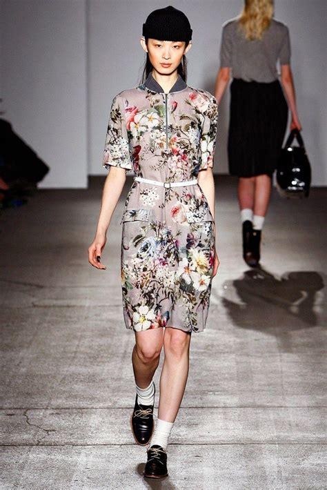 Karen Walker Fall 2011 Ready-to-Wear Fashion Show ...