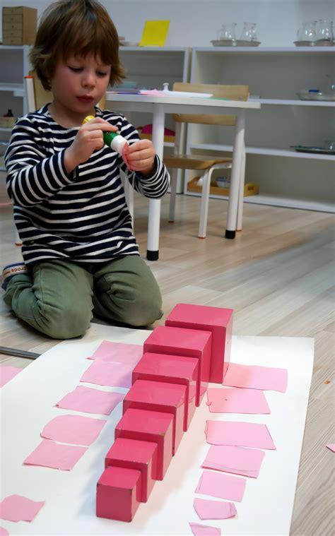 Montessori Method in preschool - englishmontessorischool