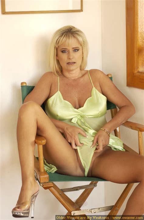 Mature Lactating Nude Girls