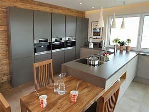 Tisch Für Kleine Küche : k chenblock mit tisch ~ Bigdaddyawards.com Haus und Dekorationen