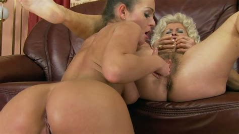 Insatiable Granny Gets Her Pussy Expertly Eaten Out