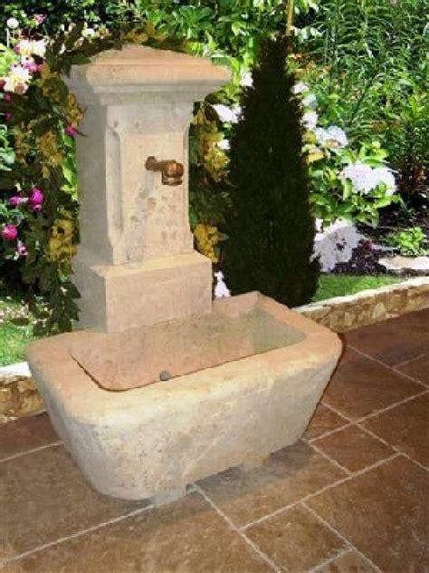 fontaine murale en fontaine murale en de dordogne vieillie 1 sortie d eau vestiges de vente de