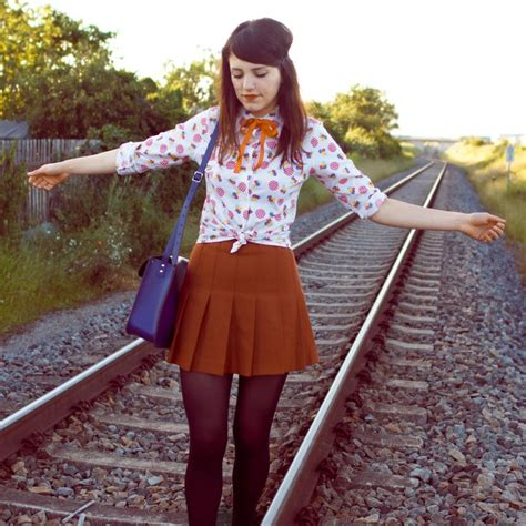 Picture Of chic retro outfit ideas that every girl will like 10