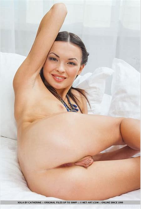 Gorgeous exotic beauty reveals her silky sm - XXX Dessert - Picture 13
