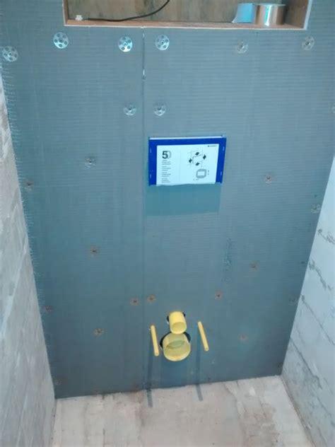 achterwand wc betegelen wedi plaat als achterwand voor hang toilet