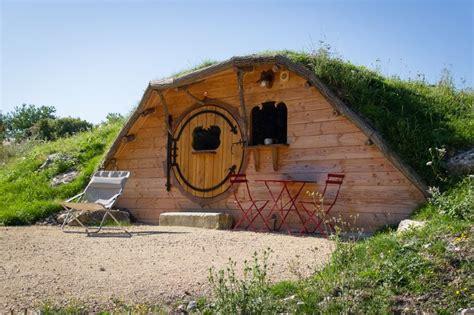 chambre d hotes insolite location huttes végétalisées touraine domaine de la