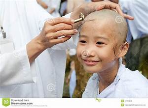 Girl Be Removed Hair To Become A Nun During A Buddhist ...