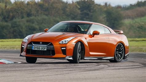 The New Gtr by Review The New 2017 Nissan Gt R