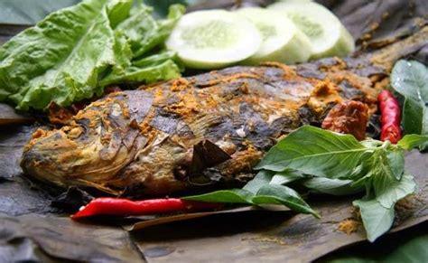 3 resep ikan kembung pesmol, bisa langsung dicoba di rumah! Resep Pepes Ikan Mas Pedas