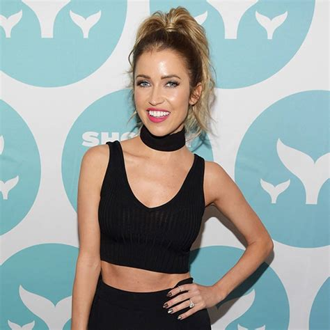 The Bachelorette's Kaitlyn Bristowe Gives Surprise ...