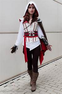 Best 25+ Assassins creed costume ideas on Pinterest ...