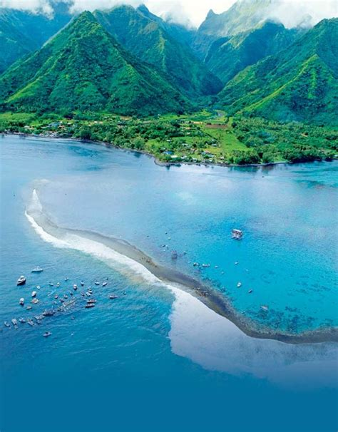 Tahiti Is The Largest Island In The Windward Group Of