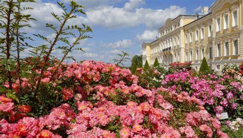 CNN izceļ 11 skaistākās vietas, ko apskatīt Latvijā | Kos, House styles, Liepaja