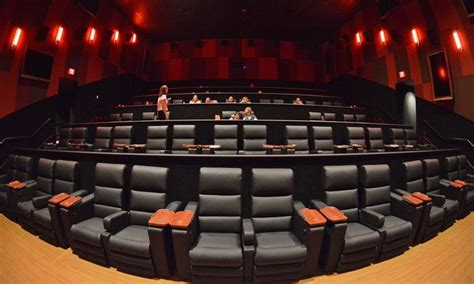 Cinetopia Living Room Theater Vancouver by Cinetopia Overland Park 18 Living Room Theater With