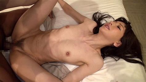 R Com A Married Woman Who Wants To Cast Off Her Clothes To Put Her Naked Body In The