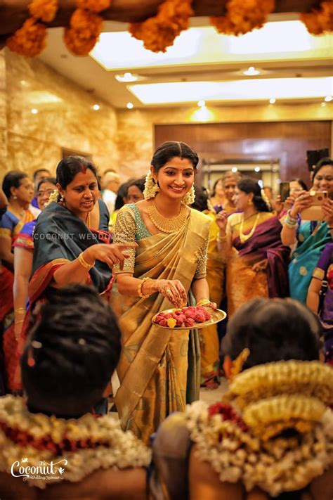 actress divya unni marriage photos actress divya unni s sister actress vidhya unni gets