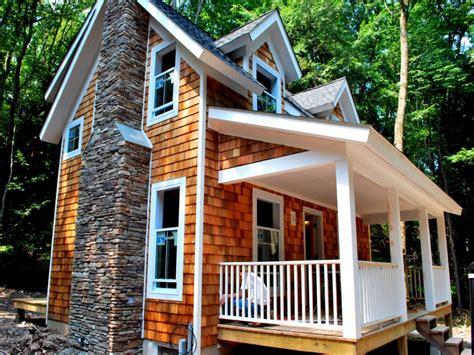 exterior cedar shake siding cedar shake shingle cottage