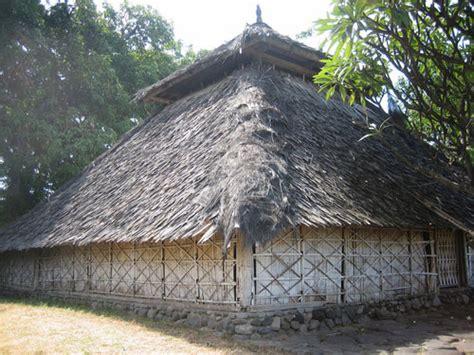 wetu telu tourism