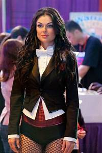 Zatanna Zatara (Smallville) - DC Database - Wikia