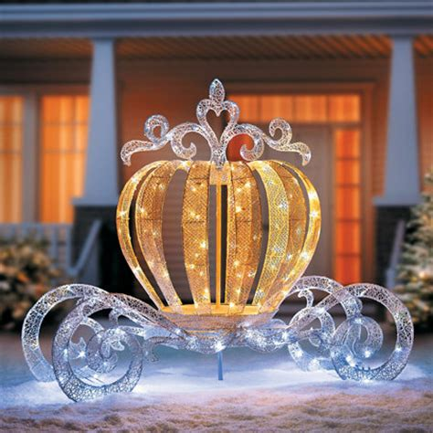 outdoor christmas decorations horse  carriage