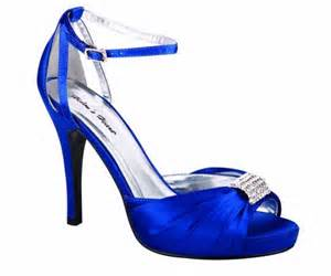 blue bridesmaid shoes cherry