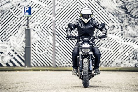 Svartpilen 401 4k Wallpapers by Husqvarna Svartpilen 401 Wallpaper Wide Is 4k Wallpaper