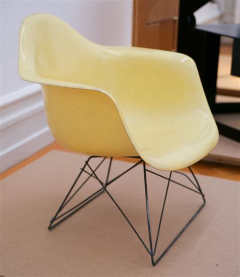 chaise eiffel file charles and eames plastic chair 1950 53 jpg
