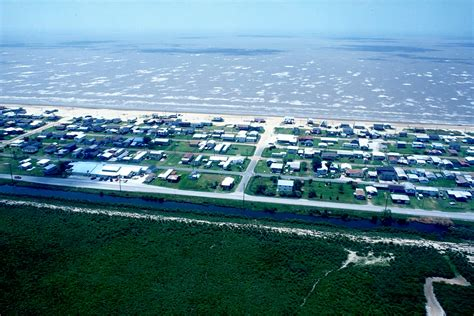 Whether you're looking to enjoy a world class cajun or creole meal or head offshore to catch your dinner, we've got you covered. Holly Beach, Louisiana - Wikipedia
