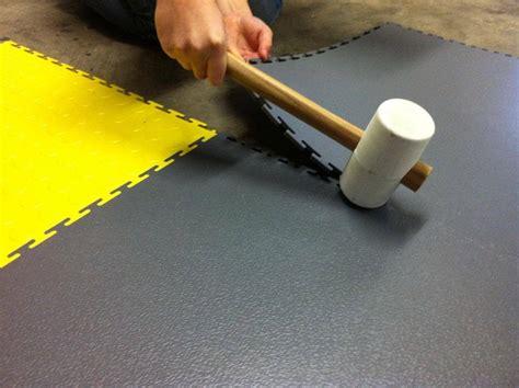 Pvc Boden Garage Kaufen by Pvc Boden Fliesen Bodenbel 228 Ge Industrieboden Vom