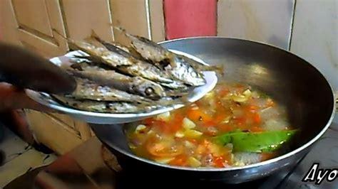 Resep ini akan memadukan sambal dengan terong, yang rasanya luar biasa lezat hingga mampu menggugah selera. Resep dan Cara Memasak Ikan Pindang Kuah Santan Pedas - YouTube