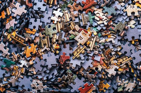 How to Solve a Jigsaw Puzzle Fast | Reader's Diges