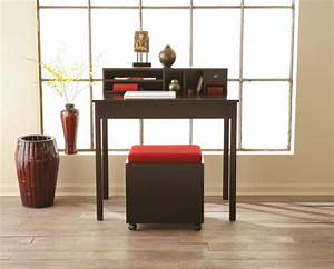 Minimalist small office desk for small space home for Desk small office space desk