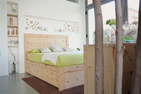 letto matrimoniale cassetti legno di cirmolo letto matrimoniale con 6 cassetti
