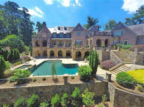 Wow House A Mansion That Looks Like A French Castle